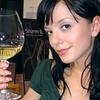 Seveda je pila, a le kozarček vinskega svetovnega šampiona. Kdo ga pa nebi?