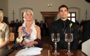 Ekskluzivno: Videoposnetek poročne zaobljube Jolande Čeplak in Andreja Batagelja