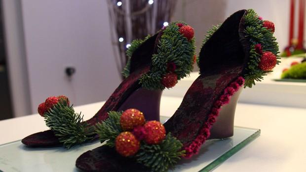 Dobrodelna dražba cvetličnih čevljev oblikovalke Alje Novak. 1 (foto: Jasmina Hasković)