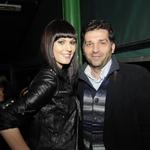 Ob oskarjevcu Denisu Tanoviću je v pogovoru uživala modna mačka Irena Lušičić. (foto: Sašo Radej)