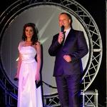 Z veliko mero humorja in sproščenosti sta program povezovala Sanja Grohar in Mark Žitnik. (foto: Gregar Gulin in DonFelipe)