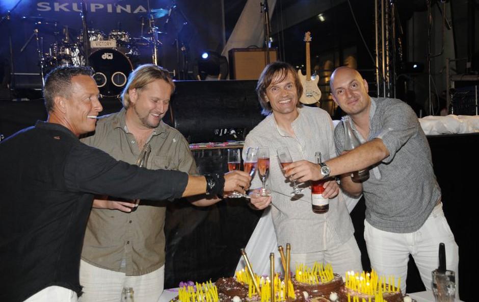 Victory so svojih 21 praznovali tudi s torto. (foto: Sašo Radej)