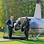 Kot se za bogataša spodobi, je Rajko na svojo poroko priletel kar s helikopterjem. (foto: N. Divja)