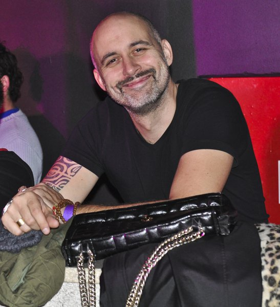 Aleš Bravničar, Playboyev fotograf, ki je našel svoj kot opazovanja dogajanja.