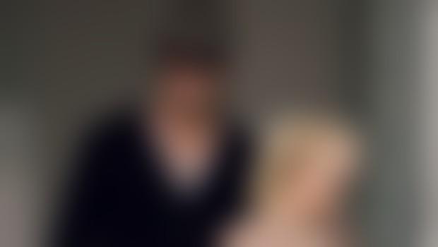Scarlett je trenutno v zvezi z igralcem Josephom Gordonom-Levittom, a kljub temu se nekoliko sumljivo 'vtika' v svojega bivšega moža Ryana Reynoldsa.