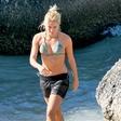 Shakira: Napadel jo je morski pes