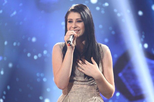 Eva Boto je zmagovalka oddaje Misija Ema 2012, Slovenijo pa bo zastopala v Bakuju na izboru Evrovizija.