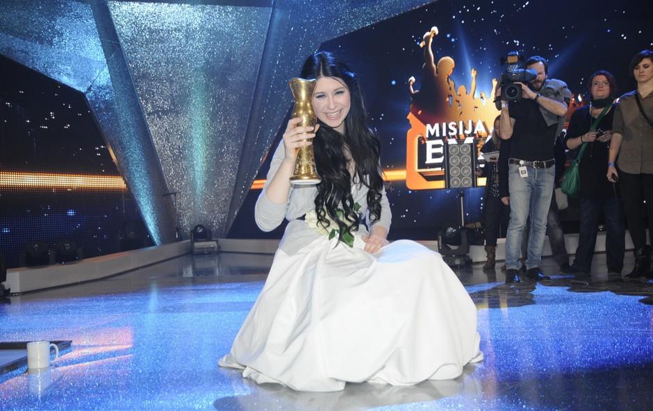 Nesporna zmagovalka Eme 2012 je postala Eva Boto, 16-letnica, ki nas bo zastopala v Bakuju. (foto: Filip Kocijančič & Sašo Radej)