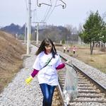 Kristina je čistila tudi ob železniški progi.  (foto: DonFelipe)