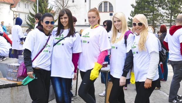 V Kranju so čistile Jinny, Kristina, Aleša, Rija in Ana. (foto: DonFelipe)