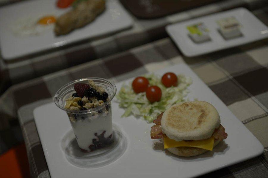 Zajtrk po novem tudi v restavraciji s hitro prehrano.