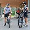 Politika sta se odločila za kolesarjenje po Brdu pri Kranju in okoli tega, a menda sta tudi med aktivnostjo govorila o pomembnih državniških t