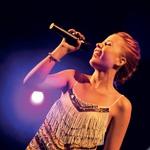 Piko na i je celotnemu večeru dodala velika zmagovalka šova Demetra Malalan, ki je s svojim izjemnim vokalom očarala občinstvo. (foto: Helena Kermelj)
