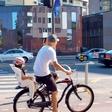 Primož Benko: S kolesom prevaža hčerko