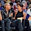 Rihanna: Chris jo spravlja v smeh