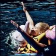 Špela Grošelj: Plavala z delfini