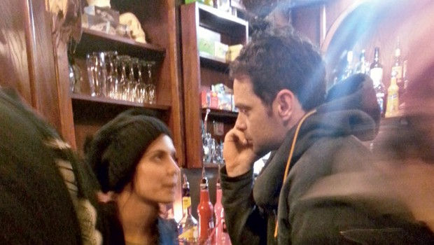 Ula Furlan je šarmirala Roka Flandra v koktajl baru Skelet.  (foto: Press)