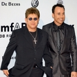 Elton John: Elton oče, David mama