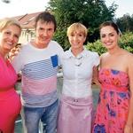 Eva Lepej Dragšič je poskrbela, da je Fan plac Geli zadihal v znamenju baby showerja, Danijel Pohorec pa je dogodek posnel za spomin.  (foto: Mediaspeed)