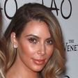 Kim Kardashian bo do oltarja pospremil očim