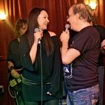 Dolgoletna  partnerja Anja  Rupel in Aleš Klinar  sta tudi skupaj  zapela.  (foto: Goran Antley)