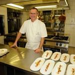 Za slastne jedi po Aninih receptih je poskrbel kuharski velemojster Janez Bratovž (foto: Luna TBWA)