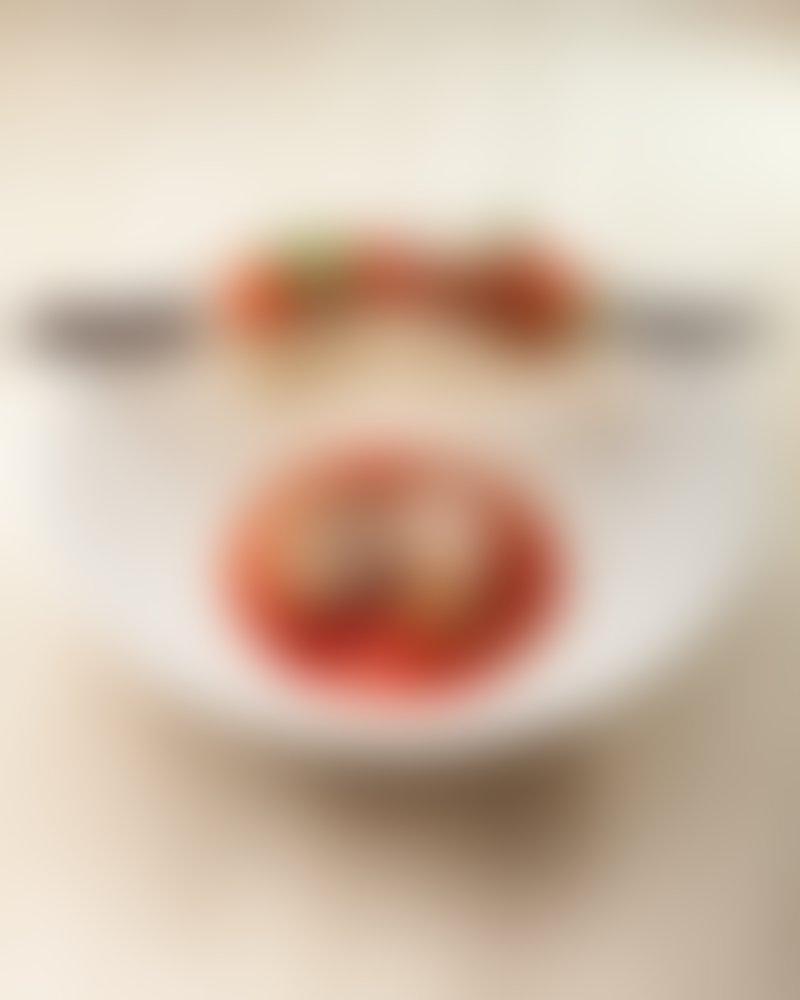 Z omako lahko obogatimo testenine, izboljšamo okus rižote ali pa jo uporabimo kot hladno salso na tortiljah.