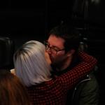 Kaja je po koncu nemudoma stekla v objem svojega dragega, fotografa Luka Cjuha. (foto: Sašo Radej)