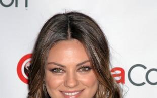 Mila Kunis: Noseča in tik pred poroko!
