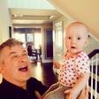 Alec Baldwin noro obožuje svojo ljubko hčerkico