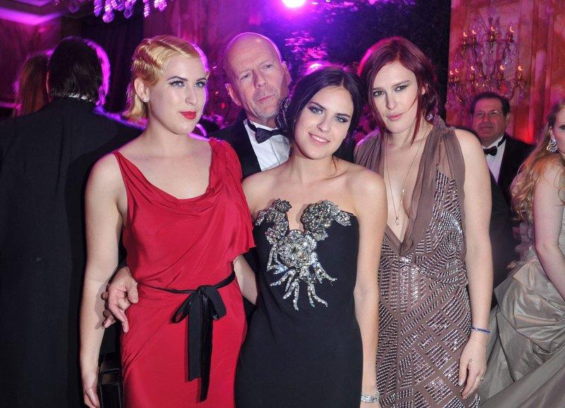 Bruce Willis je že petič postal očka - Tuji trači - Govori.se