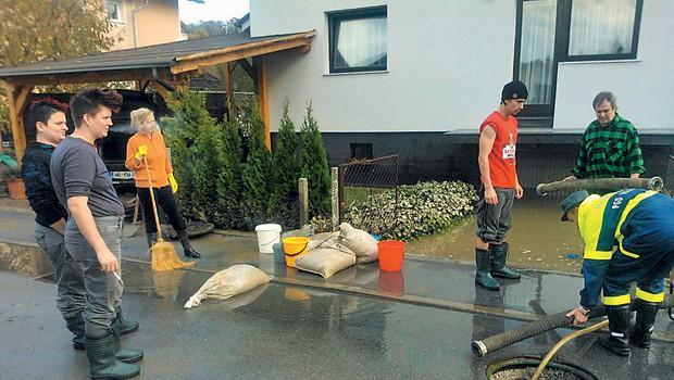 Martina je v času poplav v  Sloveniji pomagla na mestu samem.  (foto: revija Lea)