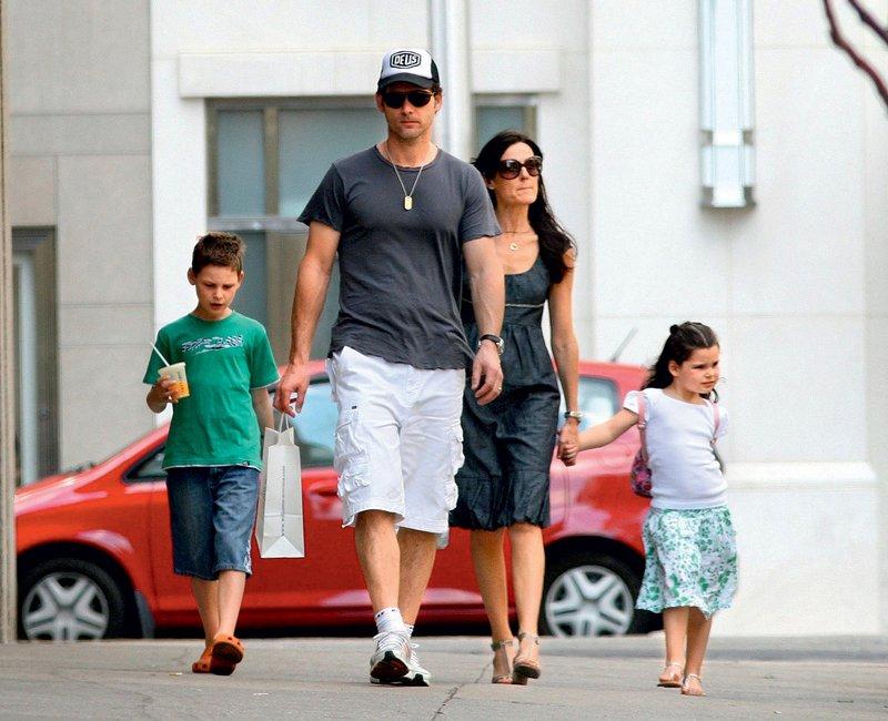V zakonu sta se jima rodila dva otroka, sin Klaus in hčerka Sophia.