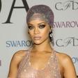 Rihanna zna nositi najbolj drzno obleko vseh časov