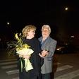 Boris Cavazza in Ksenija Benedetti romantična na dežju