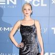 Jennifer Lawrence navdušuje tako na platnu kot tudi zunaj soja žarometov