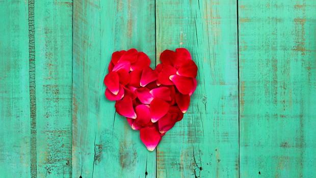 Bralec ljubi precej mlajše dekle! Svetovalka Magdalena odgovarja! (foto: Shutterstock)