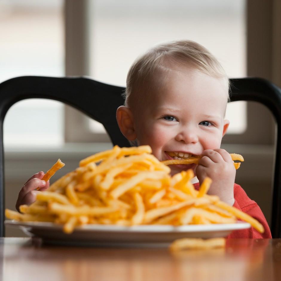Vpliv slabe prehrane na zdravje postaja večji od kajenja (foto: profimedia)