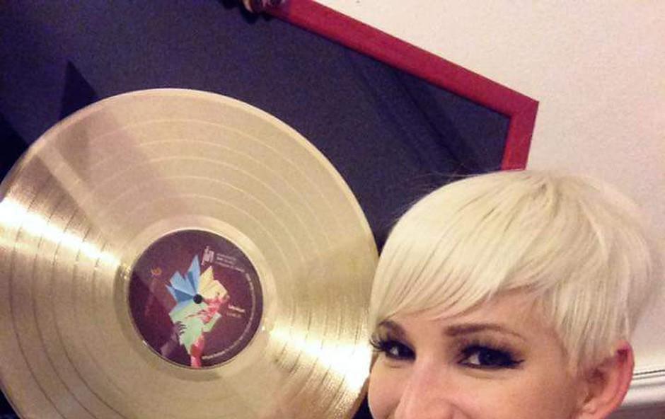 Carica Alya prejela zlato ploščo (foto: Alya)