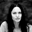 Angelina Jolie bo preventivno odstranila tudi jajčnike