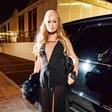 Video: Paris Hilton se vrača z vročim videospotom