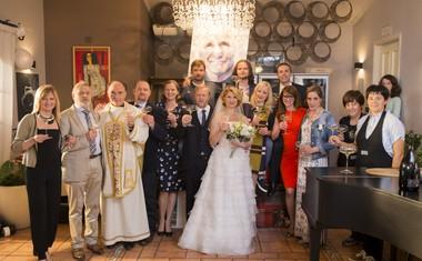 Prva sezona Ene žlahtne štorije se končuje z veliko poroko