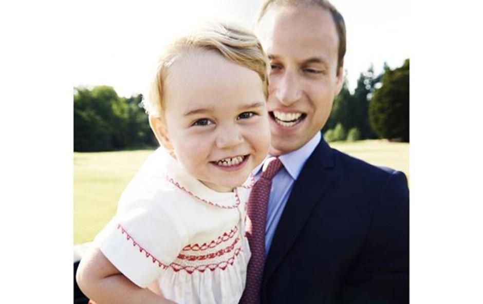 Kraljevo družino skrbijo paparaci, ki storili vse za fotografijo malega princa Georga! (foto: Profimedia)