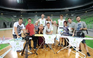 Dobrodelna predstava Moška copata, ki si jo lahko ogledate skupaj s cvetom slovenske košarke