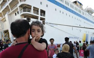 Naš RKS ne zbira za begunce v Grčiji, številni Slovenci pa se angažirajo kar samoinciativno!