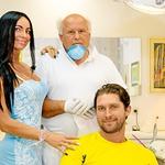 V ordinaciji dr.  Igorja Fuisa se mu je  pridružila tudi  prijateljica Nena. (foto: Branko Teršek)