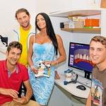 Tomažu bodo nove zobe priskrbeli v zobni  ordinaciji dr. Igorja S. Fuisa in zobotehnični  ordinaciji Gorana Maleševića. (foto: Branko Teršek)