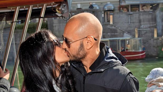 Čeprav to ni bil njun prvi poljub, sta si pa Nina in Dejan  prvič izkazala ljubezen pred fotografskim objektivom.  (foto: Z.K.)