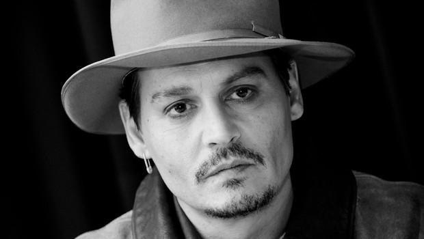 Dobrodelni Johnny Depp je polepšal praznike otrokom v bolnišnicah! (foto: profimedia)