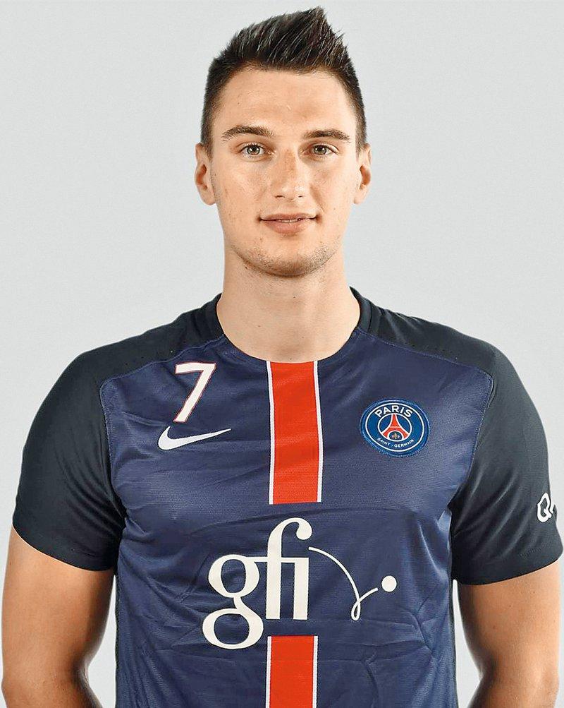 Januš Lapajne, igralec rokometnega kluba PSG